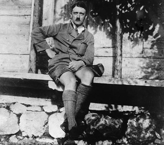 Tran danh cuoi cung va ket cuc cua trum phat xit Adolf Hitler hinh anh 6