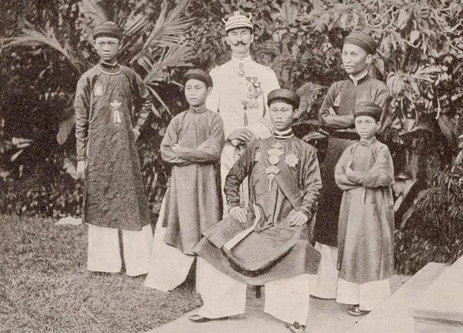 Vua Thanh Thai anh 5
