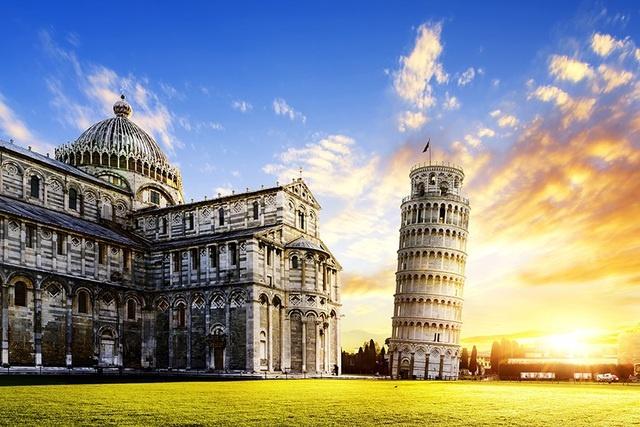 Trum phat xit tung ha lenh 'dung thang thap nghieng Pisa' hinh anh 2 2.jpg