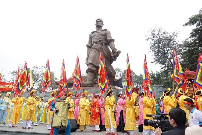 'Cho quan Thanh ngu tro mot dem roi ta duoi di' hinh anh 1 1_2.jpg