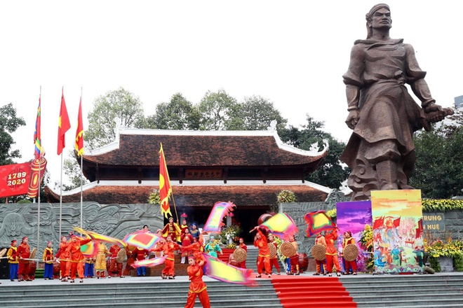 'Cho quan Thanh ngu tro mot dem roi ta duoi di' hinh anh 6 6_2.jpg