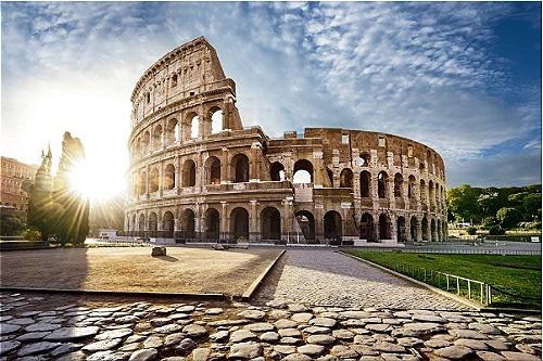 2 quoc gia nam tron trong lanh tho Italy hinh anh 5 5_3.jpg