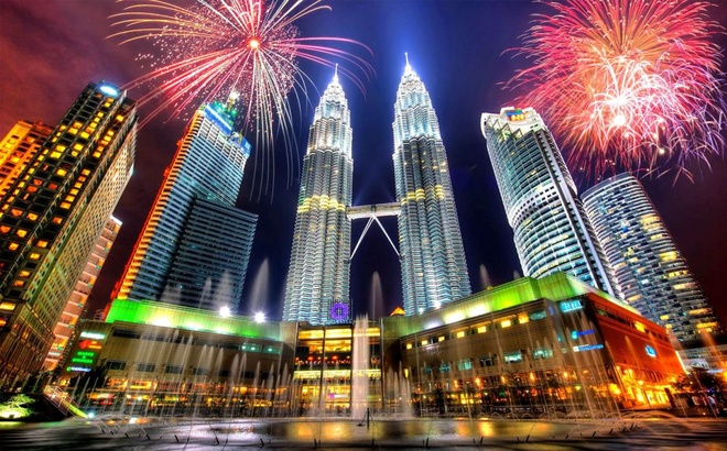 Nước nào ở Đông Nam Á có tòa tháp đôi cao nhất thế giới?
