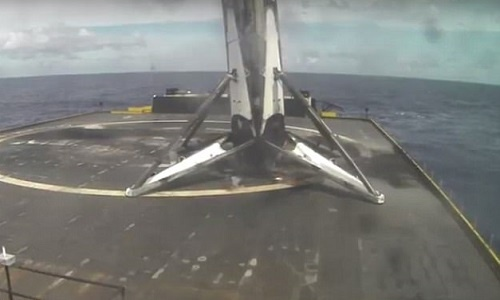SpaceX ha canh thanh cong ten lua tai su dung hinh anh 1
