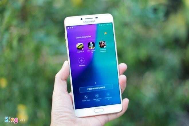 Loat smartphone pin 'trau' dang ban o Viet Nam hinh anh 8