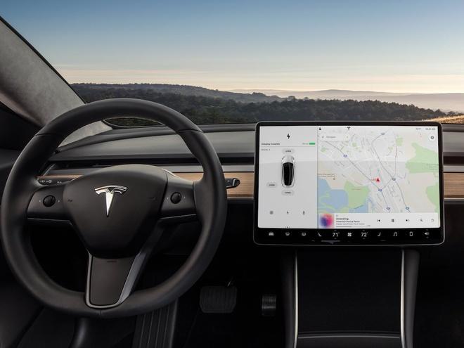 Tesla Model 3 thieu nhieu tinh nang co ban hinh anh 1