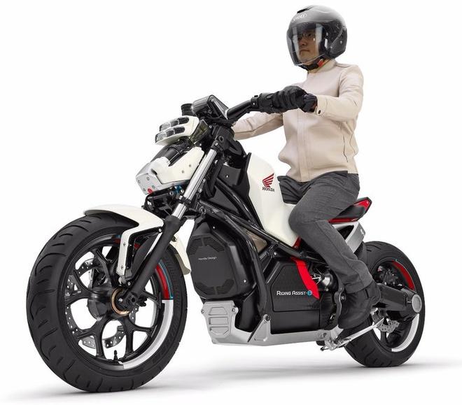 Honda Riding Assist-e: moto dien tu can bang doc dao hinh anh 2