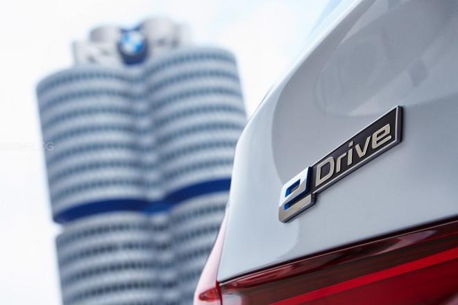 BMW, Lexus se bo qua cong nghe plug-in hybrid hinh anh 1