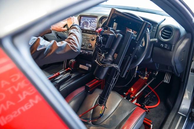 Nissan GT-R/C - xe dua dieu khien bang tay cam PS4 hinh anh 2