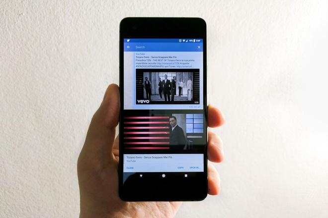 Cach phat YouTube tren Android va iOS sau khi tat man hinh hinh anh