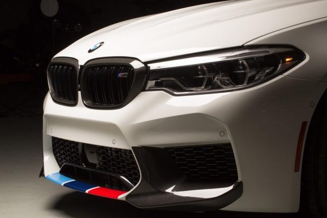 BMW ra mat bo phu kien M Performance cho M5 hinh anh 2