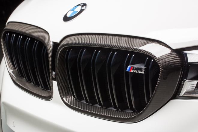 BMW ra mat bo phu kien M Performance cho M5 hinh anh 3
