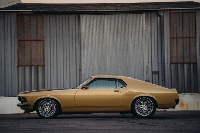 Lo dien Ford Mustang Boss 302 1970 cua 'nguoi sat' tai SEMA hinh anh