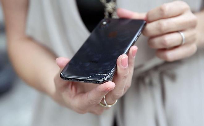 iPhone X vo chi sau mot lan roi hinh anh 2