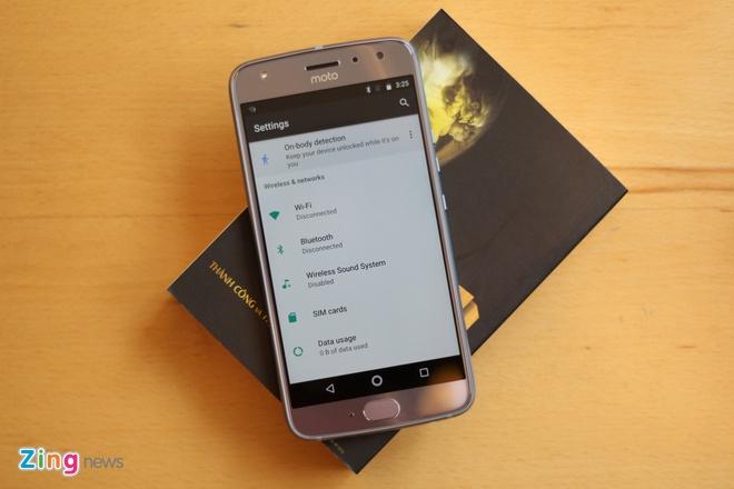 Mo hop Motorola X4 tai Viet Nam: Dep nhung de bam van tay hinh anh 10