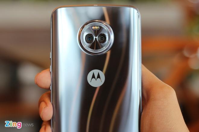 Mo hop Motorola X4 tai Viet Nam: Dep nhung de bam van tay hinh anh 4