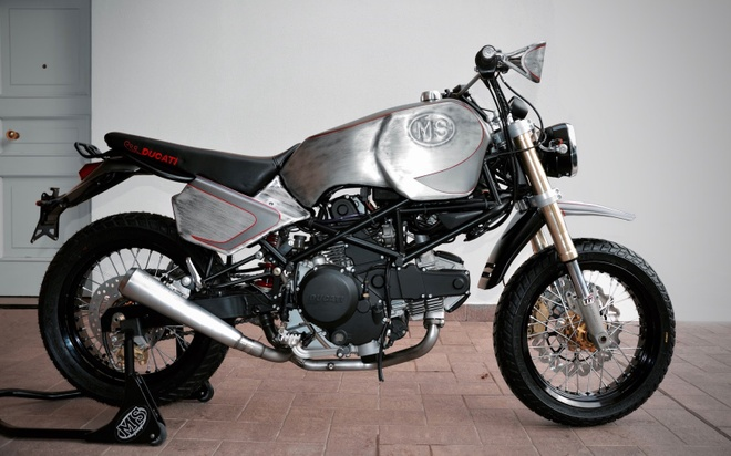 'Quai vat' Ducati 600 duoc tai sinh voi dien mao moi hinh anh 2