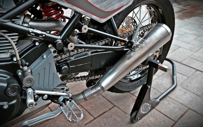 'Quai vat' Ducati 600 duoc tai sinh voi dien mao moi hinh anh 7