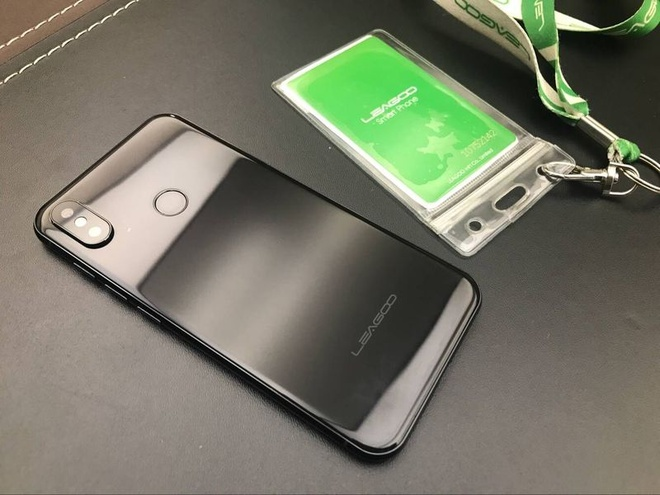 'iPhone X' gia re chay Android xuat hien o Trung Quoc hinh anh 2