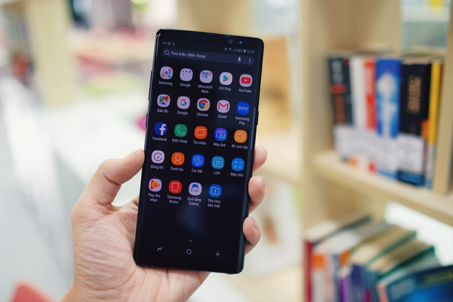 Tai sao toi chon Galaxy Note 8 thay vi iPhone? hinh anh