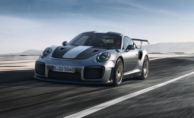 Man lot xac cua Huyen thoai Porsche 911 GT2 qua hai thap ky hinh anh