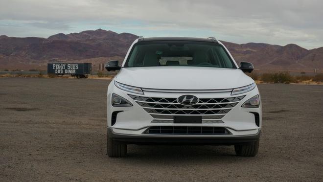 Hyundai Nexo - xe chay pin nhien lieu hydro sac day trong 5 phut hinh anh 3
