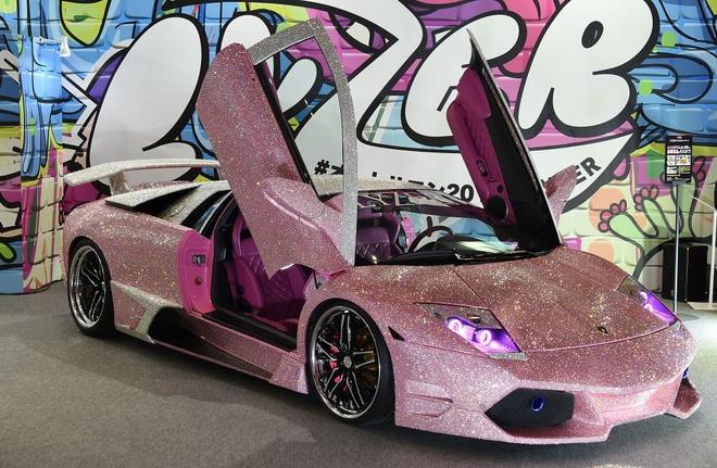Lamborghini nam 600.000 vien pha le xuat hien tai Nhat Ban hinh anh