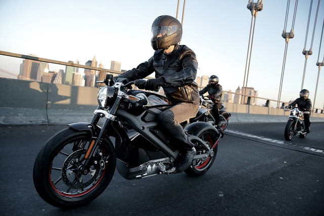 Moto dien Harley-Davidson giong xe cua 'Goa phu ao den' hinh anh
