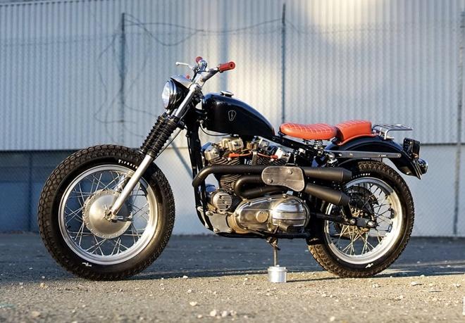 Xe do Harley Davidson XLCH Sportster hoi sinh tu bai rac hinh anh
