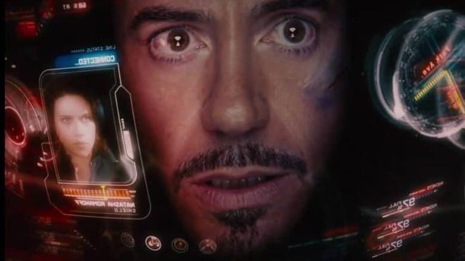 Man hinh tro giup Iron Man lay cam hung tu iPhone doi dau hinh anh