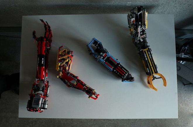 Sinh vien tu che canh tay robot tu LEGO, dung duoc nhu tay that hinh anh 7