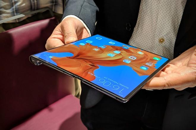 iPhone da bi Samung Galaxy Fold bo xa it nhat 2 nam hinh anh 3