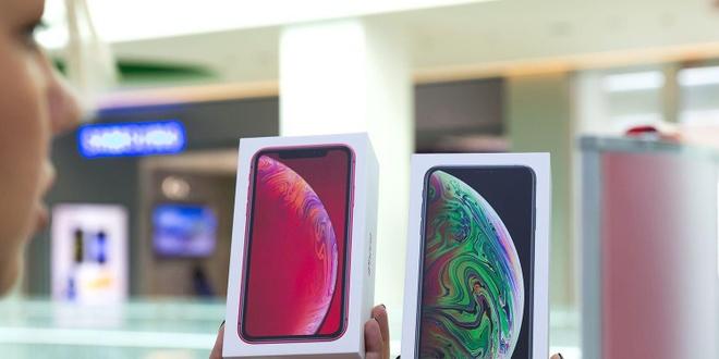 Apple se ra 3 mau iPhone man OLED trong nam 2020 hinh anh 1
