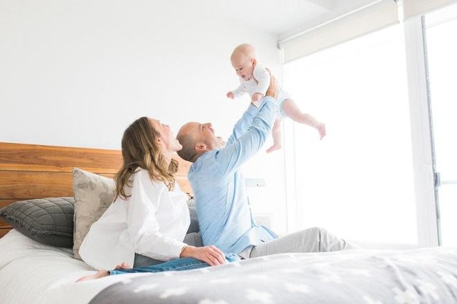 Từ 1/7, vợ sinh con, chồng được hưởng trợ cấp và nghỉ chế độ thai sản