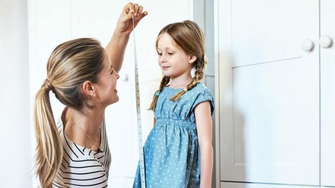 """Kết quả hình ảnh cho Dậy thì sớm ở bé gái: Nguyên nhân, dấu hiệu, khi nào cần khám bác sĩ?"""""""