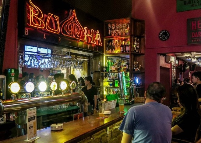 80 nguoi tham du tiec o bar Buddha chua lay mau xet nghiem hinh anh 1 bar.jpg