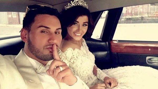 Dam cuoi sang chanh cua chang trieu phu 29 tuoi hinh anh 1 Salim Mehajer và Aysha bỗng chốc trở thành cái tên nổi tiếng khắp châu lục nhờ khoản chịu chi cho lễ cưới của mình.
