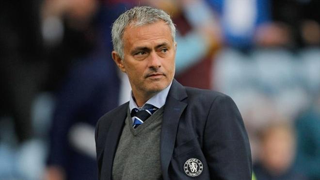 """Doi hinh ngoi sao cua sieu co Jorge Mendes hinh anh 12 Huấn luyện viên: Jose Mourinho (Chelsea): """"Siêu cò"""" là người đóng vai trò quyết định giúp Mourinho có cơ hội làm việc tại sân Stamford Bridge năm 2004. Kể từ đó, bất kể """"Người đặc biệt"""" chuyển sang các đội bóng khác như Inter, Real hay Chelsea, Jorge Mendes vẫn luôn là nhà cung cấp cho chiến lược gia 54 tuổi những bản hợp đồng chất lượng."""