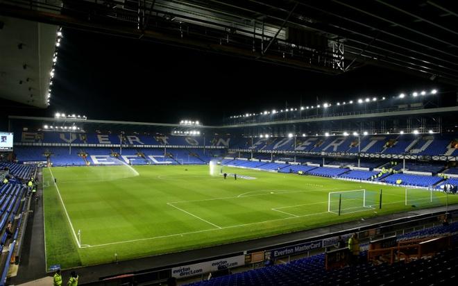 """Old Trafford - san van dong hoanh trang nhat Ngoai hang Anh hinh anh 3 8. Goodison Park (Everton- sức chứa: 39.572 người): Trải qua hơn 20 năm sử dụng, sân nhà của """"The Toffees"""" đã phần nào xuống cấp. Tuy nhiên, đây vẫn là một trong những địa điểm lâu đời và mang tính biểu tượng của người dân thành phố cảng Liverpool."""