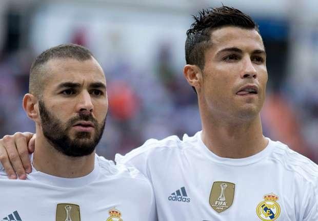 Rafa Benitez san sang thay the vi tri cua Ronaldo, Benzema hinh anh