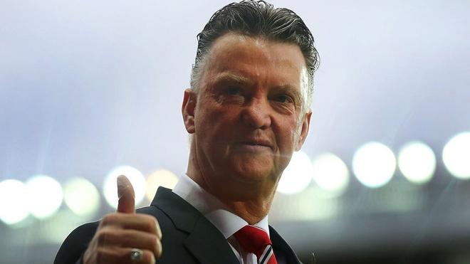 Louis Van Gaal: 'Dung so sanh toi voi Wenger hay Ferguson' hinh anh 1