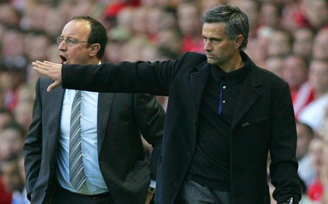 """5 vu be boi noi tieng trong su nghiep cua Mourinho hinh anh 3 3. Cãi nhau với vợ chồng Rafa Benitez (2015): Trước thềm mùa giải 2015/16, vợ của Benitez đã đăng đàn so sánh chồng mình như một """"người lao công"""" phải dọn dẹp những đống bừa bộn mà Mourinho để lại, ám chỉ việc Benitez liên tục tiếp quản những CLB cũ của đồng nghiệp người Bồ Đào Nha. Trước những lời mỉa mai từ bà Seara, """"Người đặc biệt"""" chê bai Rafa Benitez chỉ là kẻ phá hoại những đội bóng mà ông dày công xây dựng, điển hình là Inter mùa giải 2009/10. Ngoài ra, chiến lược gia 52 tuổi cũng khuyên phu nhân của đồng nghiệp nên tập trung vào việc giảm cân cho chồng thay vì nói này nói nọ."""