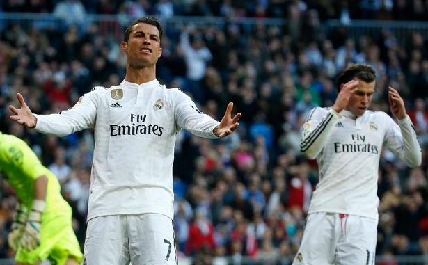 'Gareth Bale khong bang mot phan tu cua Cristiano Ronaldo' hinh anh 1 Hai ngôi sao sáng nhất của Real Madrid