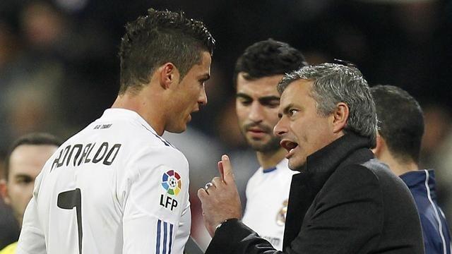 Cristiano Ronaldo tung chong lai Mourinho nhu the nao? hinh anh