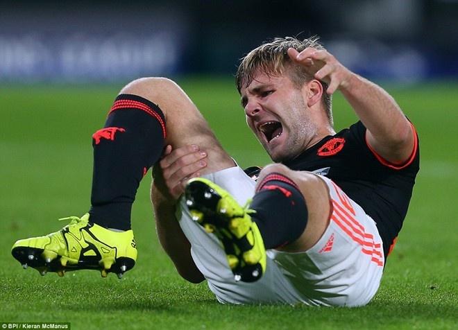 Louis Van Gaal nham sao Wolfsburg de thay the Luke Shaw hinh anh 1