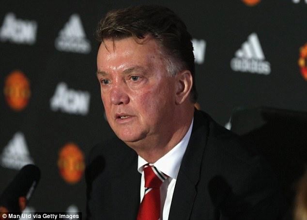Louis Van Gaal khong muon chiu chung so phan voi Mourinho hinh anh