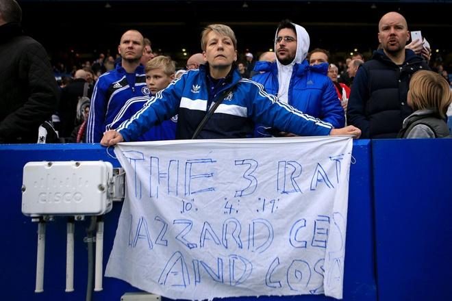 Co dong vien Chelsea phan doi cau thu, ung ho Mourinho hinh anh
