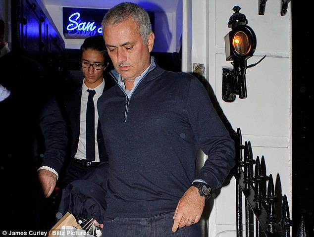 Mourinho tro ve Anh, san sang tiep quan MU? hinh anh