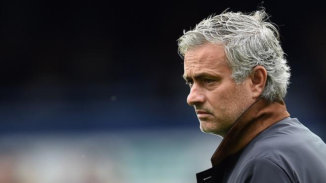 Hai lan tu choi Real Madrid, Mourinho quyet den MU hinh anh 1