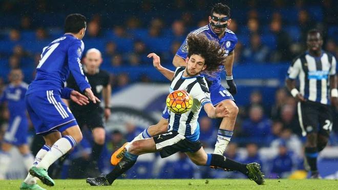 De Gea, Aguero lan dau lot doi hinh te nhat Premier League hinh anh 3